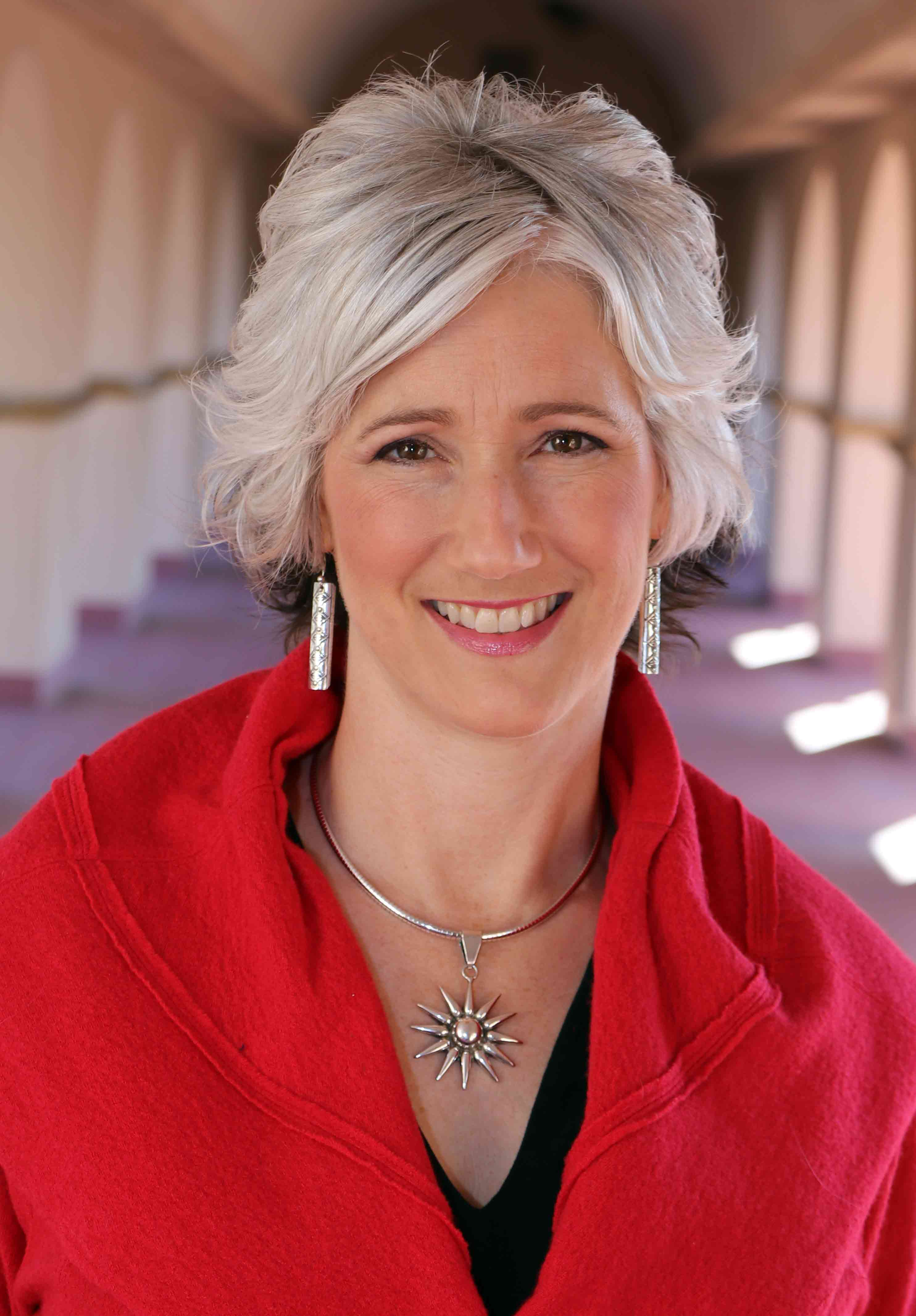 EP249 Rev Stephanie Red Feather Empowers The Evolutionary Empath on Exploring Possibilities