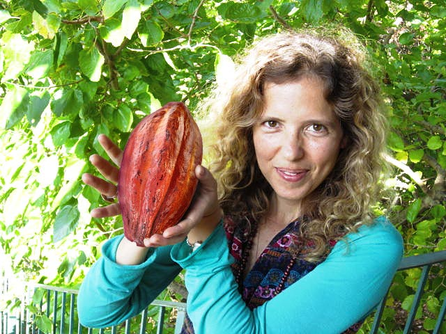 EP147 Ronit Love Cacao Ceremonies & Healing Thru Chocolate on Exploring Possibilities